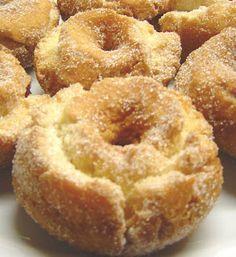 Roscos de Semana Santa 1 | La cocinita de Marisalas Donut Recipes, Mexican Food Recipes, Cooking Recipes, Hispanic Desserts, Donuts, Spanish Dishes, Pan Dulce, Tasty, Yummy Food