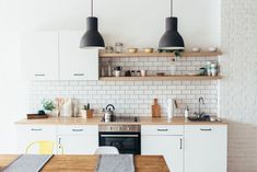 Kitchen Organization, Kitchen Storage, Organized Kitchen, Kitchen Organizers, Kitchen Cleaning, Food Storage, All White Kitchen, Kitchen Modern, White Kitchens