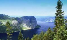 Saguenay-St. Lawrence Marine Park in Quebec (SEPAQ)     Top 10 National Parks in Canada