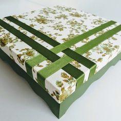 #feitoamão #presentedenatal #portajoias #presentedeaniversario #caixadecorada #mdfdecorado #encaixotamor