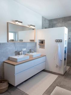You need a lot of minimalist bathroom ideas. The minimalist bathroom design idea has many advantages. See the best collection of bathroom photos. Bad Inspiration, Bathroom Inspiration, Inspire Me Home Decor, Bathroom Renos, Bathroom Ideas, Bathroom Designs, Diy Bathroom, Bathroom Showers, Bathroom Shelves