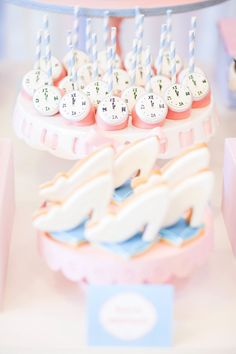 Beautiful Cinderella Princess themed birthday party via Kara's Party Ideas KarasPartyIdeas.com #princessparty (4)