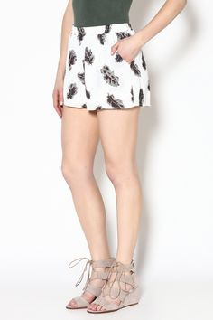 44$  Buy here - http://vifeb.justgood.pw/vig/item.php?t=lgrjno56132 - Feather Print Shorts
