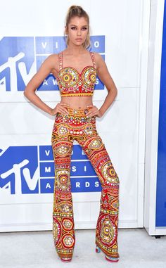 Stella Maxwell from MTV Video Music Awards 2016 Red Carpet Arrivals  We're obsessed with the model's trendy, '70s-themed two-piece number!