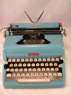 Royal Quiet DeLuxe Turquoise Typewriter
