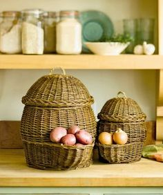How cool is this?!!!  Potato and Onion Storage Baskets