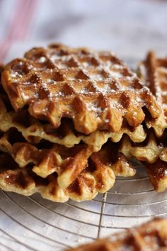 Gauffres Moelleuses - The Flying Flour Waffles, Pancakes, Apple Pie, Sweets, Breakfast, Recipes, Beignets, Food, Biscuits