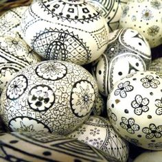 These Sharpie decorated Easter eggs from Janette at The 2 Seasons are so pretty, you'll be tempted to display them year round!
