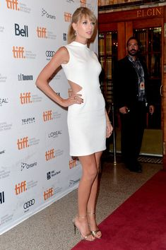 Taylor Swift Photos - Musician Taylor Swift arrives at the 'One Chance' Premiere during the 2013 Toronto International Film Festival at Winter Garden Theatre on September 9, 2013 in Toronto, Canada. - 'One Chance' Premieres in Toronto