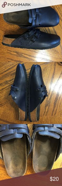 Birkenstocks Birkies size 7 navy clogs sandals Size 7 ladies men's 5 navy some minimal wear on the interior and the exterior looks amazing. Birkenstock Shoes Mules & Clogs