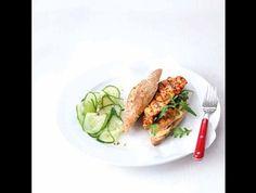 Okurkový salát   k bagetam s chilli kuřetem