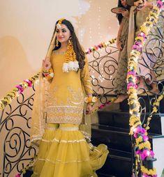 Pakistani Mehndi Dress, Bridal Mehndi Dresses, Beautiful Pakistani Dresses, Pakistani Wedding Outfits, Pakistani Bridal Dresses, Pakistani Dress Design, Bridal Outfits, Mehndi Dress For Bride, Nikkah Dress