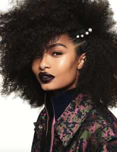 """Yara Shahidi for Seventeen Magazine (November/December """"I feel like my curls have always been a part of who I am. African Hairstyles, Afro Hairstyles, Natural Hair Care, Natural Hair Styles, Natural Beauty, Natural Curls, Senegalese Twists, The Face, Seventeen Magazine"""