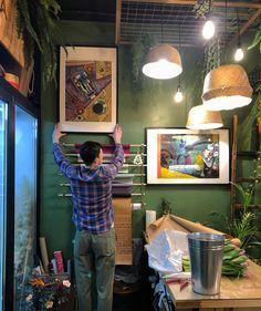 Интерьер цветочного магазина. Картины в интерьере.