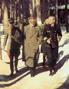 """Führerhauptquartier """"Werwolf"""", Adolf Hitler & Karl Dönitz im Gespräch 1942"""