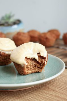 Vegan Carrot Cake Cupcakes with Cashew Frosting 2