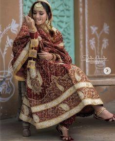 Punjabi Wedding Suit, Pakistani Wedding Outfits, Indian Bridal Outfits, Pakistani Bridal Wear, Pakistani Dress Design, Wedding Suits, Punjabi Suits, Wedding Wear, Wedding Bride