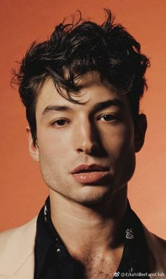 Ezra Miller is one striking man. Ezra Miller, Beautiful Men, Beautiful People, Celebrity Portraits, Attractive People, Male Face, Face Claims, Pretty Boys, Pretty People