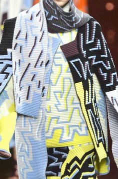 PRINTS, PATTERNS, TRIMMINGS AND SURFACE EFFECTS FROM LONDON FASHION WEEK (A/W 14/15 WOMENSWEAR) / 8 From London womenswear catwalks, beautiful details and inspirations. Peter Pilotto