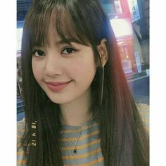 kjjoicon — thanks, people who took these pictures Kpop Girl Groups, Korean Girl Groups, Kpop Girls, Lisa Bp, Jennie Lisa, Yg Entertainment, Jenny Kim, Rapper, Lisa Blackpink Wallpaper