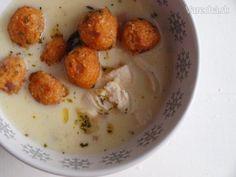 Yoğurtlu köfte - Bulgurové guličky v jogurtovej omáčke s cícerom a mäsom (fotorecept)
