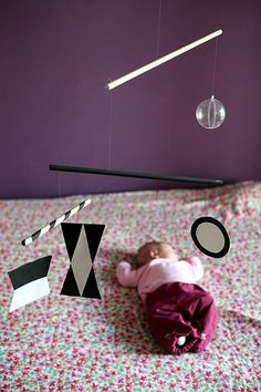 Love the purple! And the Munari mobile. It's the last one I need to complete. Montessori Toddler, Montessori Activities, Baby Toys, Kids Toys, Communication Design, Blog, Funny Kids, Kids Learning, Children