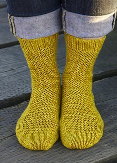 Ravelry: free basic worsted sock pattern in all sizes. Socks are going to be my next pattern to tackle.