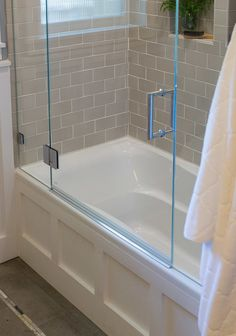 Bathroom Remodel Small Bathtub Glass Doors 22 Ideas For 2019 Tub Shower Doors, Bathroom Tub Shower, Bath Tub, Bathtub Shower Combo, Bathtub Doors, Bathroom Fixtures, White Bathroom, Bathroom Tile Designs, Bathroom Design Small