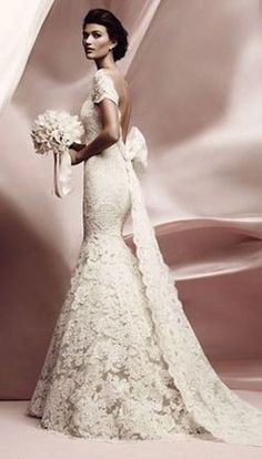 THIS IS THE DRESS I DREAM ABOUT FOR YOU...THE ONE I KEEP REFERRING TO. lace vintage wedding dress