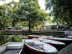 Erst Bootstour, dann Biergarten im Café am Neuen See.