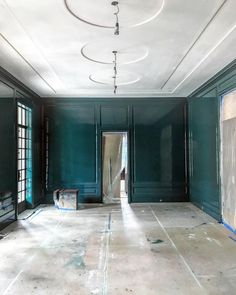 A productive site visit to an amazing new house outside of Chicago. Gambrel, Site Visit, Ceiling Design, Contemporary Interior, Mudroom, Warm And Cozy, Kitchen Design, Bedroom Decor, New Homes