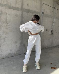 White Outfits, Cute Casual Outfits, Looks Style, My Style, Trendy Style, Sweatpants Outfit, Mode Streetwear, Teenager Outfits, Facon