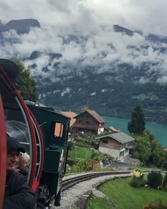 Train rides through Switzerland 🇨🇭 A place made for adventures. Switzerland's landscapes truly cover everything from high mountains to 50 shades of blue lakes. If you haven't: travels o Switzerland and place your self in one of those iconic old trains! Beautiful Places To Travel, Cool Places To Visit, Wonderful Places, Voyager Seul, Destination Voyage, Photos Voyages, Travel Videos, Train Rides, Travel Alone