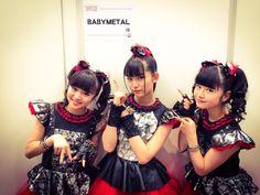「ミュージックステーション スーパーライブ2014」間も無く出演DEATH!!番組スタートから早めにチェック!! https://twitter.com/BABYMETAL_JAPAN/status/548410995517825024 #BABYMETAL MUSIC STATION 12.26/2014