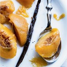 Preserved Peaches in Vanilla Syrup