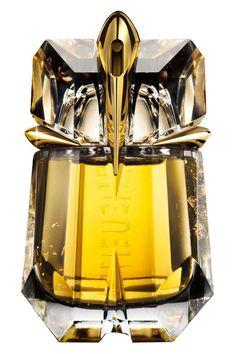 Perfume Emporium has discounted prices on Alien Liqueur de Parfum perfume by Thierry Mugler. Save up to off retail prices on Alien Liqueur de Parfum perfume. Perfume Chanel, Perfume Floral, Vintage Perfume, Perfume Scents, Fragrance Parfum, Perfume Bottles, Parfum Thierry Mugler, Parfum Flower, Alien Perfume