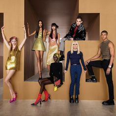 Runway Fashion, Fashion Models, Fashion Brands, High Fashion, Fashion Show, Fashion Outfits, Versace Fashion, Fashion Designers, Vogue Paris