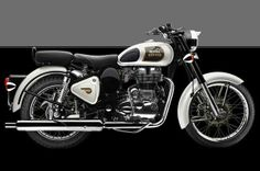 Royal Enfield Classic, Thunderbird get new paint shades Enfield Motorcycle, Motorcycle Style, Motorcycle Accessories, Classic Motors, Classic Bikes, Royal Enfield Classic 350cc, Royal Enfield Wallpapers, Royal Enfield Modified, Quad