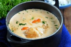 Recipe of cassolettes of Saint Jacques with Thermomix or Realize this . Cocotte Recipe, Cooking Movies, Cooking Dried Beans, Thermomix Desserts, Cooking Classes For Kids, Snacks, Food And Drink, Easy Meals, Dinner Recipes