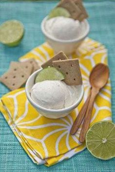 Gelato is a fabulous Italian snack that will have everyone coming back for more. Here are 24 extraordinary Italian gelato recipes… Italian Gelato Recipe, Sicilian Recipes, Sicilian Food, Italian Snacks, My Favorite Food, Favorite Recipes, Ice Ice Baby, Popsicle Recipes, Key Lime Pie