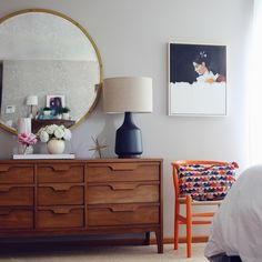 Mid Century Modern bedroom home decor - See this Instagram photo by @houseofhipstersblog • 2,813 likes
