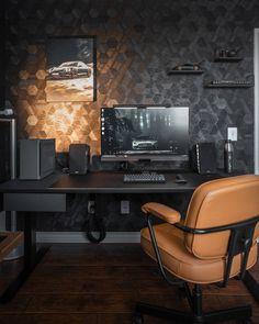 Home Office Tour: Michael for Michsoledesign – ergonofis Home Studio Setup, Home Office Setup, Home Office Design, House Design, Computer Desk Setup, Gaming Room Setup, Pc Desk, Pc Setup, Decoracion Habitacion Ideas