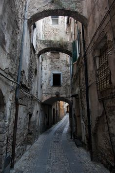Medieval town - Taggia - Liguria... It looks like Knockturn Alley!