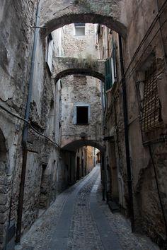 Medieval town - Taggia - Liguria... It looks like Knockturn Alley!