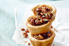 These iconic Canadian treats are rich, delicious and simply irresistible. Canadian Living Recipes, Canadian Food, Tart Recipes, Dessert Recipes, Desserts, Best Butter Tart Recipe, Butter Tart Squares, Canadian Butter Tarts, Pecan Tarts