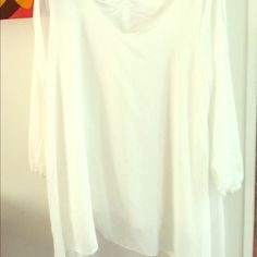 Flowing white dress Flowing white hi-lo dress short but sweet can wear with some sort of leggings but delicate I bought this from a Chinese manufacturer so the size says xxxxlarge but it really fits like a regular size large..They are tiny over there,so thus its up for sale never worn Dresses Mini