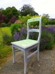 Anna-von-Mangoldt-Kreidefarbe-Stuhl
