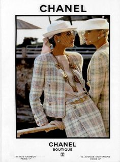 Chanel campaign Summer 1984 with Inès de la Fressange and Christine Bolster shot by Helmut Newton Chanel Outfit, Chanel Jacket, Chanel Fashion, 80s Fashion, Fashion Week, Look Fashion, Vintage Fashion, Fashion Outfits, 80s Outfit