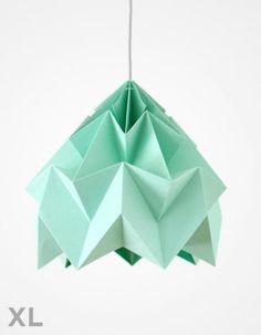http://www.kaiku.dk/vare/7129-studio-snowpuppewhatwedo-moth-xl-ismint