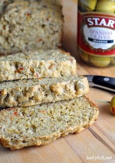Olive Quick Bread - this savory olive quick bread is perfectly delicious on its own or great served with a salad! Muffins, Scones, Bread Recipes, Baking Recipes, Pan Rapido, Yummy Food, Tasty, Our Daily Bread, Bread Rolls